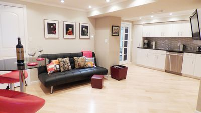 Photo for Modern Luxury Private SanFran Casa Steps From Stores & Transportation