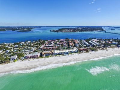 Photo for Charming newly remodeled 2 bed/2 bath Condo on Bradenton Beach
