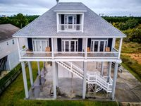 Spacious house with breathtaking views across Bay St Louis!