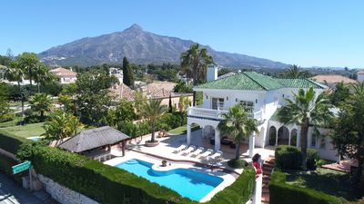 Photo for Luxury lHoliday villa, with heated pool in Nueva Andalucia to rent, near Golf