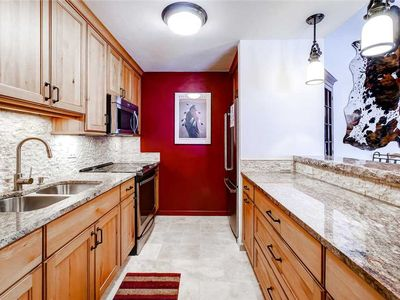Photo for Beautiful Condo, Pool, Hot Tubs, Grills & More!