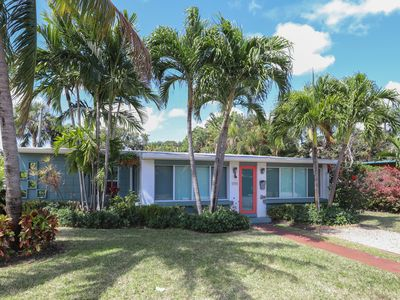 Photo for Sunny home w/ heated pool & spa, large backyard, close to beach & nightlife!