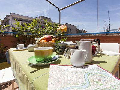 Photo for Cozy Terrace in Rome, close to Trastevere