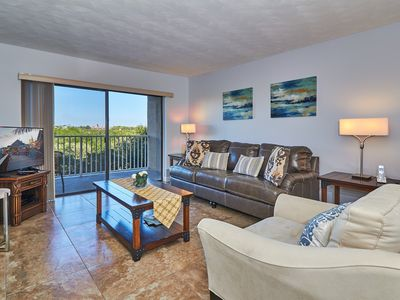 Photo for Beautifully decorated and upgraded unit at the popular Bayshores Yacht and Tennis Club Complex!