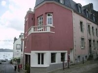Nice, light, spacious, luxury apartment in middle of Douarnenez