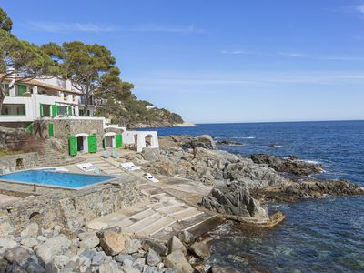 Photo for Espetacular 6 bedrooms Villa with pool and private beach