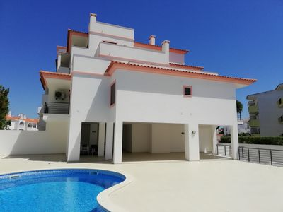 Photo for Luxury and quiet in the center of Albufeira, Algarve.