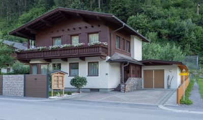 Photo for Holiday home for sole proprietorship, 800m from Mayrhofen