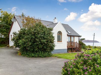 Photo for 2 bedroom property in Sligachan. Pet friendly.
