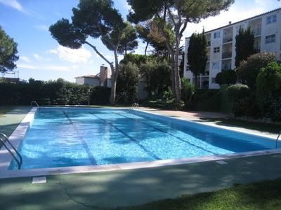 Photo for Apartment very close to the beach of Port Pelegri with pool and communal area