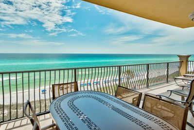 Adagio A305 corner condo at Adagio - A building sits right on the highest point of the Gulf of Mexico. Just steps to the gulf front pool and the beach walkover, Adagio A305 enjoys western views - great sunsets!