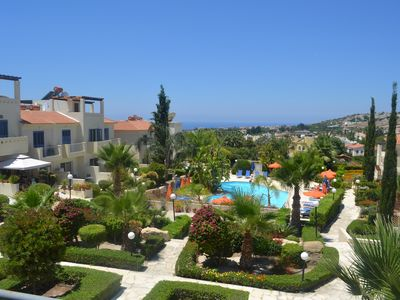 Photo for Luxury House with large pool, balcony with Sea Views and close to Coral Bay