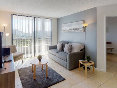 Photo for NEW LISTING! Cozy condo w/resort amenities including shared pool/hot tub & gym