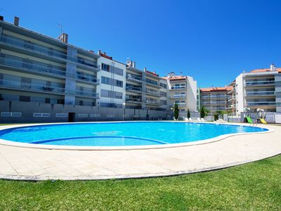 Photo for Parasol - Great apartment in complex with pool in São Martinho do Porto