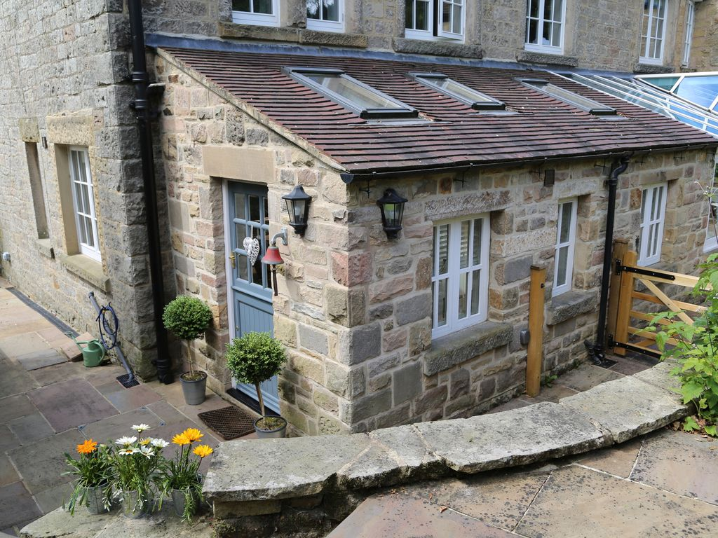 froggatt stone cottage: froggatt, hope valley, peak district