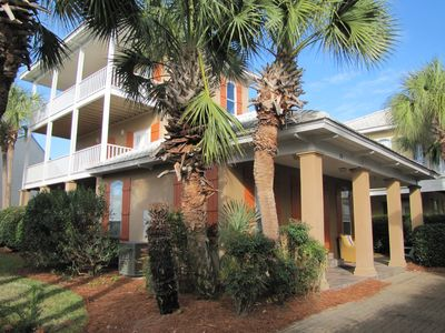 St. Croix.  5BR/3.5BA Sleeps up to 14 with children.  Walk to the beach!