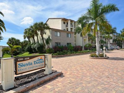Front Entrance of Siesta Dunes