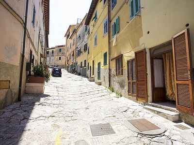 Photo for Small apartment in the heart of the old town of Portoferraio