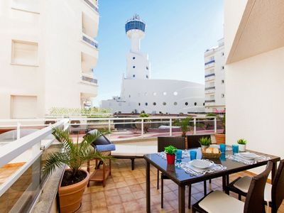 Photo for Beautiful apartment for 4 guests with WIFI, A/C, TV and balcony