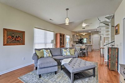 There are 2 bedrooms, 2 bathrooms, a loft with 2 twin beds, and room for 6!