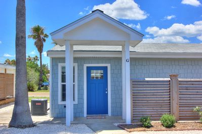 Surprising Cutest Cottage In All Of Port A Brand New Walk To The Beach Port Aransas Home Interior And Landscaping Mentranervesignezvosmurscom