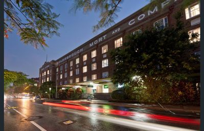 Photo for Luxury 3 brm 2 bath Woolstore apt with Courtyard
