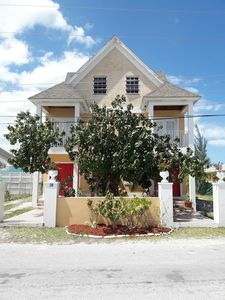 Photo for Modern & Spacious Townhouse near Beaches, Airport, Grocery Stores & Resataurants
