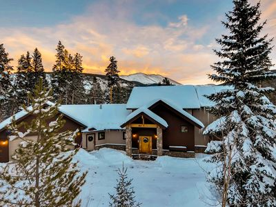 Photo for Cozy Retreat with Spectacular Views; featured on HGTV's Mountain Living