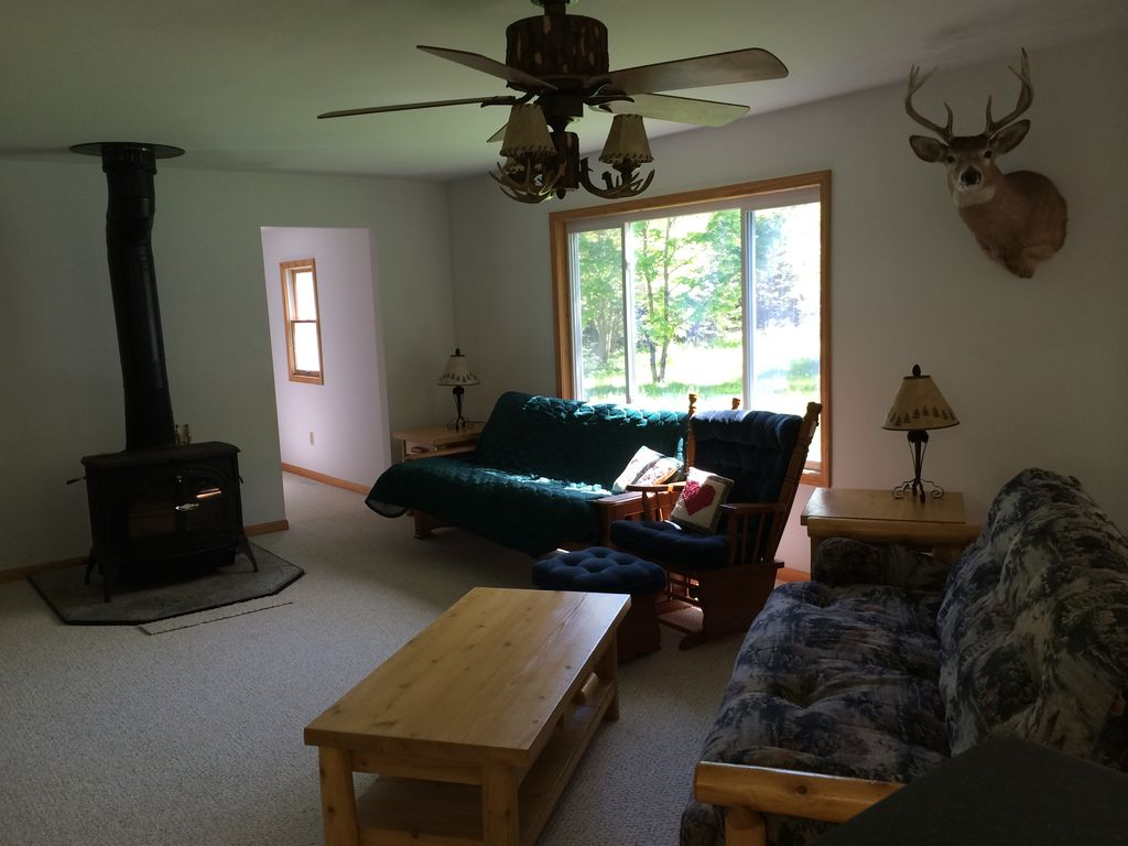2 bedroom rental minutes from mackinaw city now booking for 7 bedroom house for rent in michigan