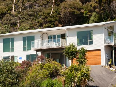 Photo for self catering modern accommodation near to beaches