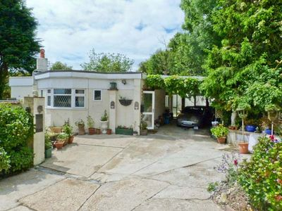 Photo for 2BR Cottage Vacation Rental in Shanklin