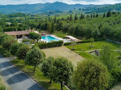 Photo for Luxurious Villa in Tuscany - swimming pool - tennis