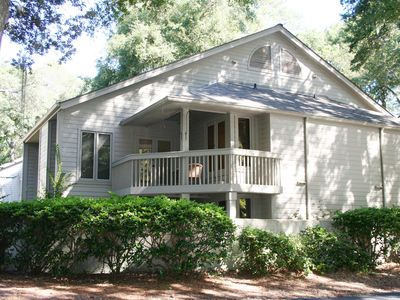 Photo for 1 Bedroom Townhouse plus Loft in Palmetto Dunes easy Bike Ride to The Beach!
