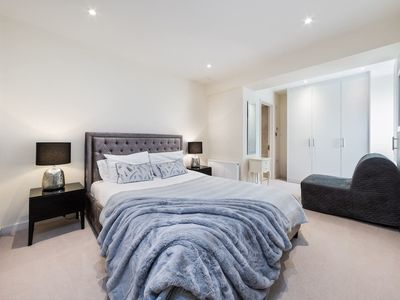 Photo for Cozy 2 Bedroom Apartment in Fulham