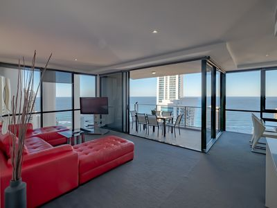 Photo for ⭐Circle on Cavill Luxury⭐Expansive ocean & River views | Pool,Gym and games area