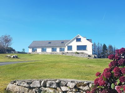 Photo for Seamount, Roundstone - sleeps 8 guests  in 4 bedrooms