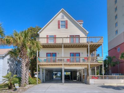 Captain's Palace B - Luxury Beach House with Game Room and Pool, Just Steps from Beach