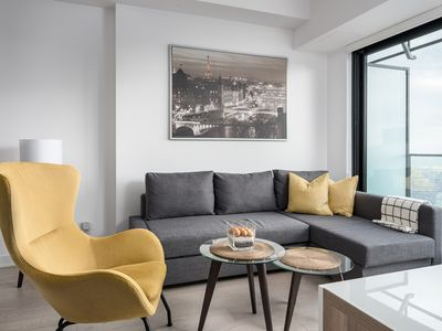 Bell Center - 2 Bedrooms -Luxury Home in Downtown Montreal