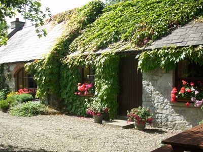 Photo for Charming old-world country cottage, near Adare