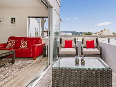 Lounge to Patio