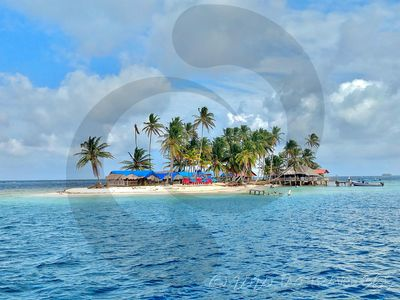Photo for Private Beach Cabin on Secluded San Blas island