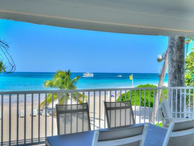 Photo for Exclusive Beachfront 2-Bedroom Apartment T-H202