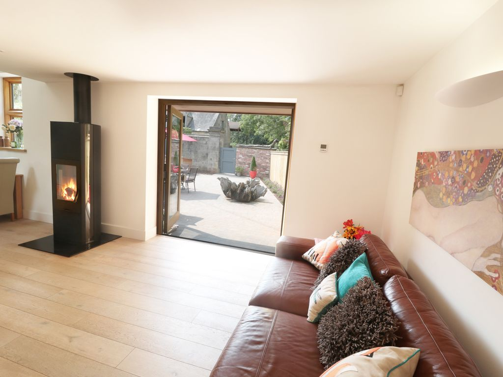 Property Image2 GREY ROOFS Pet Friendly With Open Fire In Ashbourne