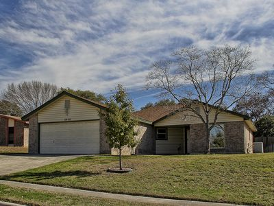 Photo for Robin's Nest II - Lackland 9 miles, BMT discount/no-risk recycle policy