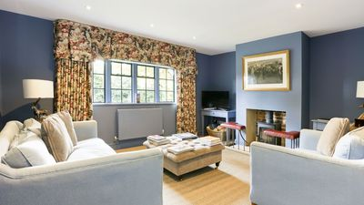 Photo for Enchanting Cotswolds Cottage in Oxfordshire   - sleeps 8 guests  in 3 bedrooms