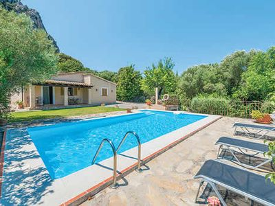 Photo for Rustic Spanish villa close to historic town complete with a pool for enjoying stunning views.