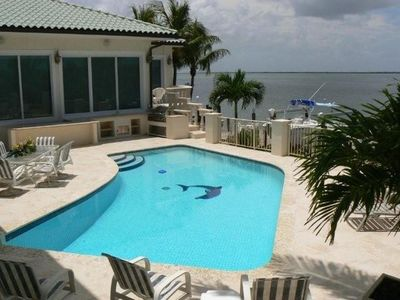 Bayfront Pool w  grill center