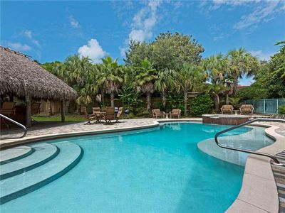 Amazing Home with Tiki bar Large Swimming HomeAway