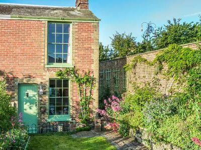 Photo for SAGE COTTAGE, romantic, character holiday cottage in Ryde, Ref 924463