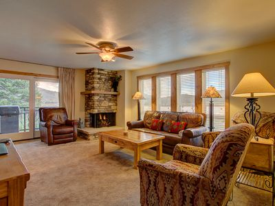 Photo for Beautiful 2 Bedroom By The Shores Of Lake Dillon! Clubhouse Access. In Town.